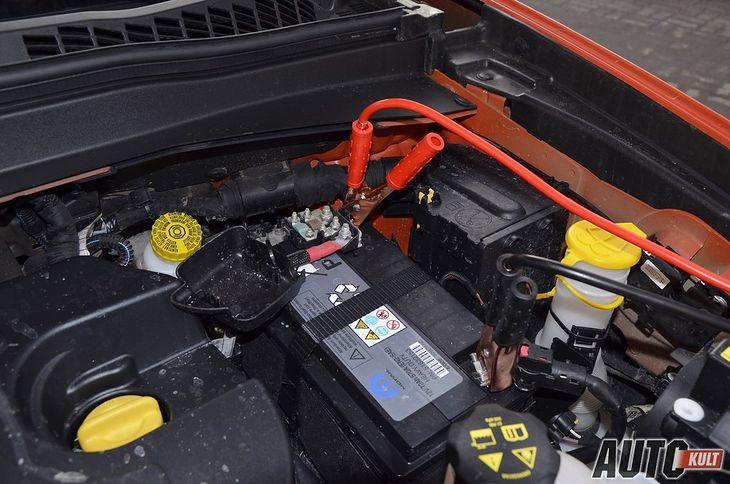 Większość kierowców potrafi odpalać samochód z pożyczeniem prądu, ale nie każdy wie, jakie przewody rozruchowe kupić, by nie trafić na bubel.