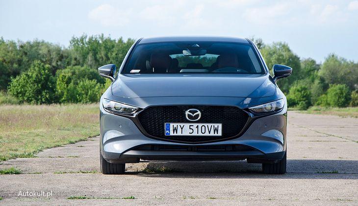 Mazda 3 jest dostępna z rabatem do 28 tys. zł.