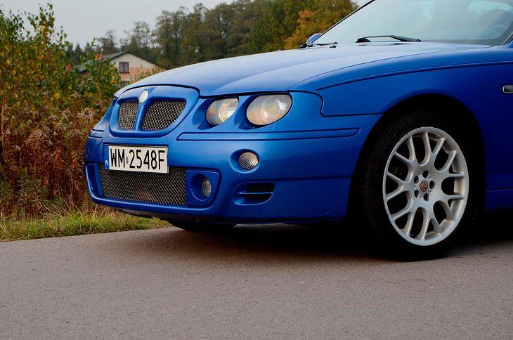 W przypadku uszkodzenia oryginalnego zderzaka, właścicielowi pojazdu należy się nowy oryginalny. A co, jeśli na rynku takiego nie ma?