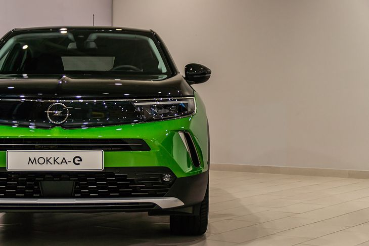 Opel Mokka-e będzie dostępny także w sportowym wydaniu.