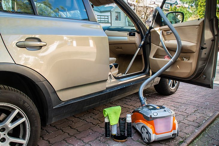 Wyczyszczenie auta to ważny element przygotowania do sprzedaży