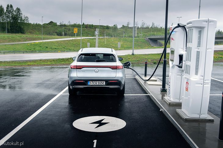 Mercedes EQC jest pierwszym elektrykiem nowej generacji ze Stuttgartu