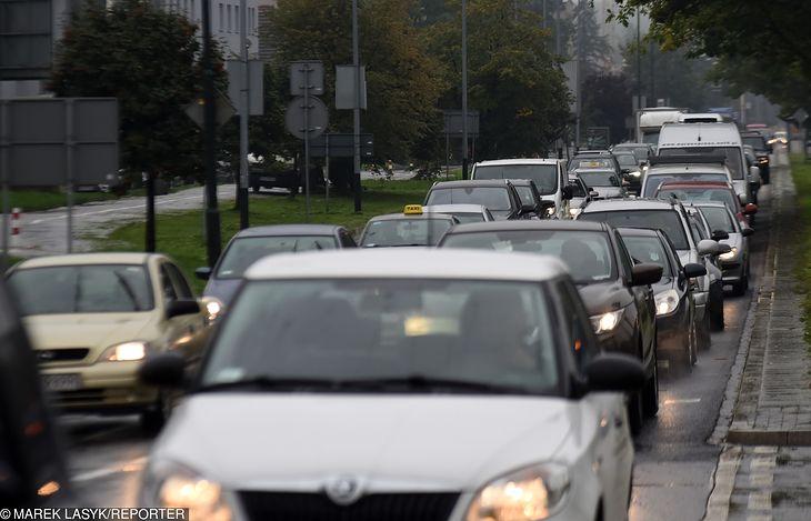 Czy wy też w niedzielę zostawicie auto i skorzystacie wyłącznie z transportu alternatywnego?