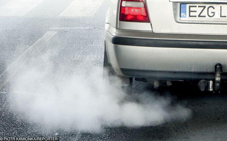 Przeciętna emisja auta daleka jest od wymaganych 95 g CO2 na kilometr