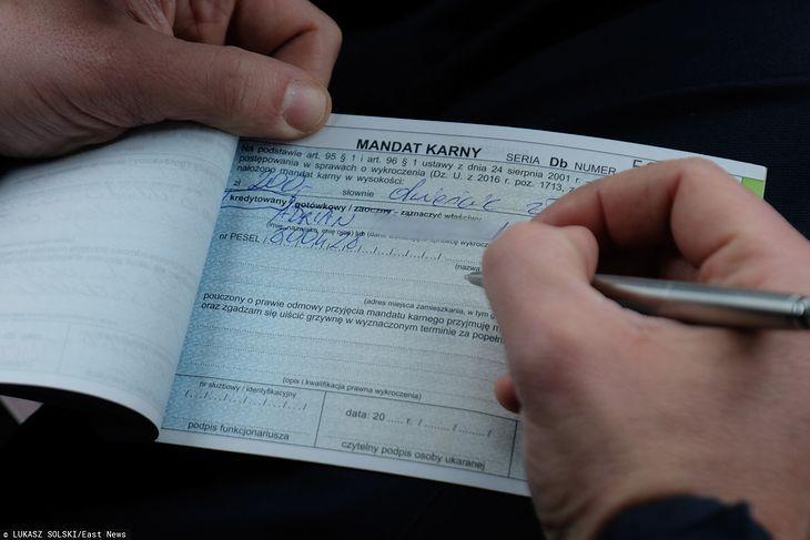 Mandat w wysokości 200-300 zł jest dla polskiego kierowcy jak pouczenie, a nawet maksymalny 500 zł nikogo nie przeraża. Za granicą nie łamiemy tak ograniczeń prędkości, bo kary są znacznie wyższe.