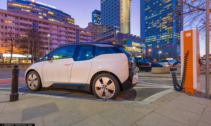 Rozwój elektromobilności w Polsce nie będzie tak szybki jak planowano.