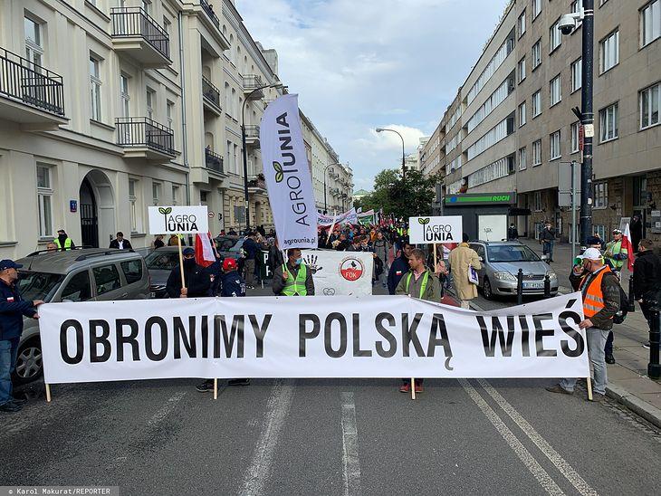 Protest rolników z 30 września, który odbył się w Warszawie. Tym razem hodowcy zwierząt zablokują drogi poza miastami.