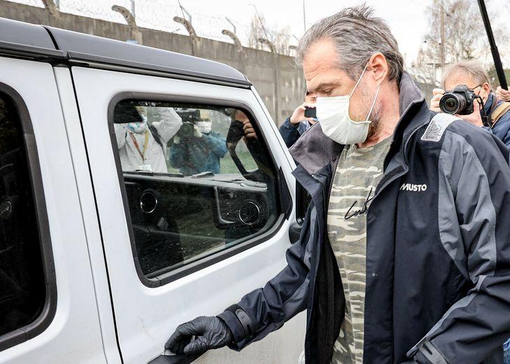 Tu polityk wsiada do innego auta 4x4 - jeepa wranglera