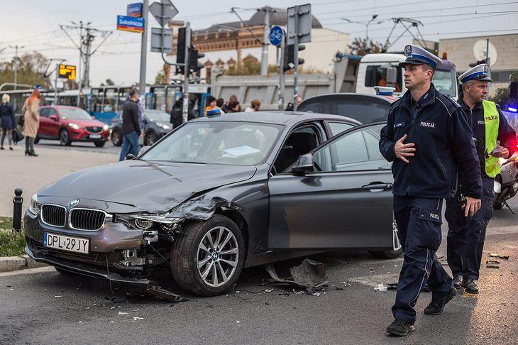 Mocny samochód i stresująca sytuacja mogą tworzyć niebezpieczną mieszaninę