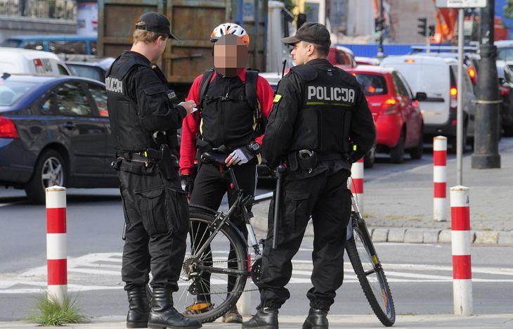 Jazda na rowerze w stanie nietrzeźwości nie jest przestępstwem. Nie oznacza to jednak braku kary