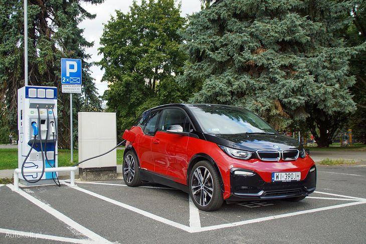 BMW i3 - jeden z pierwszych elektryków, którego teraz można wynająć na minuty