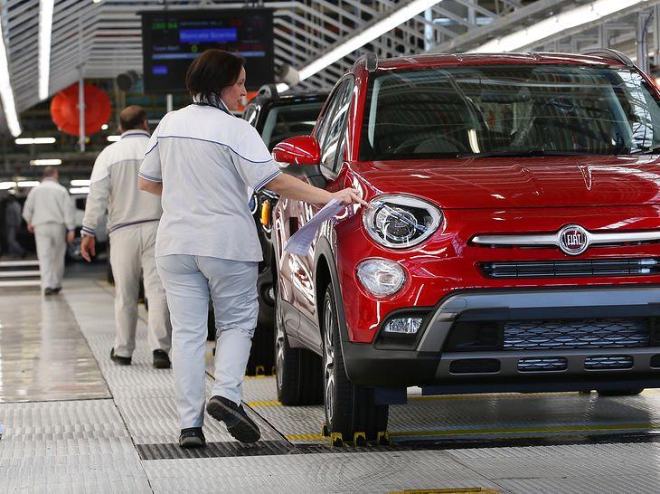W Chinach po szczycie zachorowań w lutym i rekordowym spadku sprzedaży aut, w marcu wynik w salonach wzrósł czterokrotnie. W Europie powrót do normy może trwać dłużej