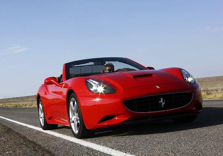 Ferrari 458 Italia i California wzywane do serwisu - 206 ...