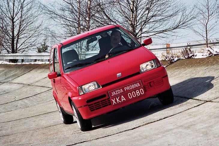 Fiat Cinquecento, szczególnie pierwsze egzemplarze albo wersja Sporting, ma szansę w najbliższych latach w Polsce znacznie zyskać na wartości