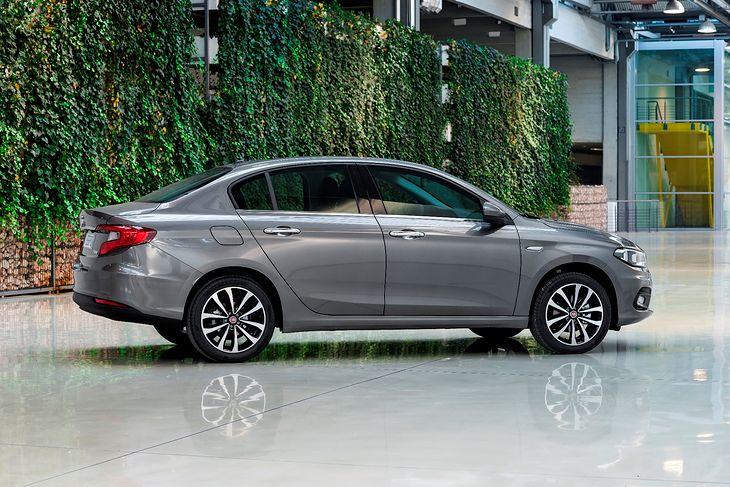 Fiata Tipo można kupić już za 43 tys. zł. Do tej kwoty mamy ogromny wybór samochodów.