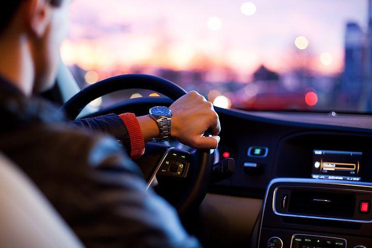 Młodzi Kierowcy Nowe Przepisy Ograniczenia Kursy Prawo