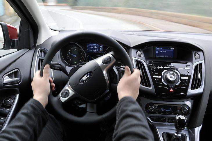 Ford Focus już w 2011 roku otrzymał elektryczne wspomaganie kierownicy.