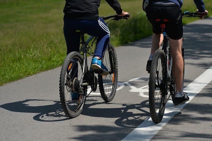 Ministerstwo Infrastruktury dało odpowiedź w sprawie tablic rejestracyjnych na rowery i hulajnogi