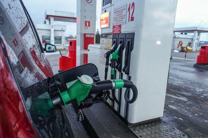 Zmiany w normach benzyny są nieco przesunięte w czasie i zaczną obowiązywać pod koniec kwietnia.