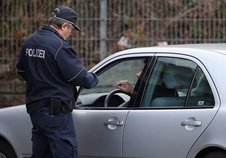 Minister transportu uważa nowe przepisy za niesprawiedliwe, ale ich cofnięcie może okazać się niemożliwe