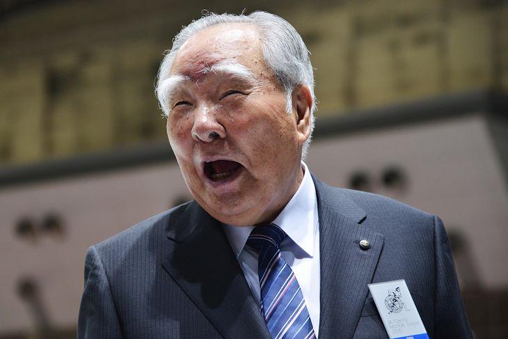 Osamu Suzuki musiał lubić swoją pracę, skoro wytrzymał na stanowisku tak długo.