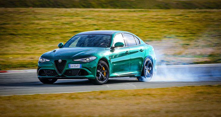 Alfa Romeo zapewnia, że zmiany nie odebrały Giulii i Stelvio Quadrifoglio ani trochę duszy sportowca, a wręcz ją wzbogaciły