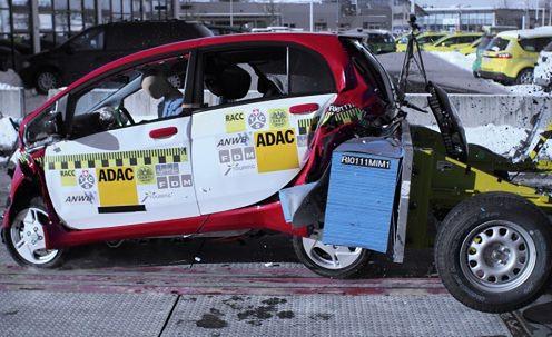 Mitsubishi iMiEV Crash