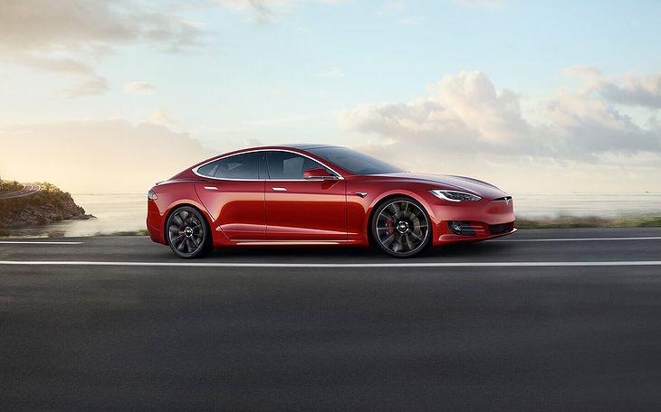 Tesla Model S niedawno została odświeżona