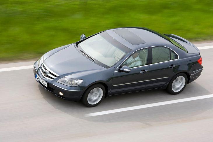 Honda Legend wygląda tak, jak mógłby wyglądać Accord, ale technikę ma wyjątkową