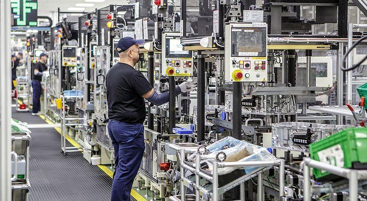 Produkcję do odwołania wstrzymały m.in. polskie zakłady Toyoty.