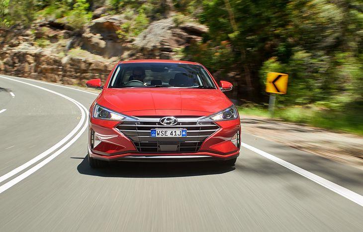 Nadchodzi nowy Hyundai Elantra. U dilerów już w styczniu 2019 roku.