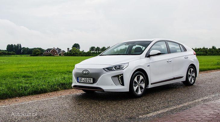 """Hyundai Ioniq Electric """"pali"""" najmniej. Jego ceny zaczynają się od 157 500 zł"""