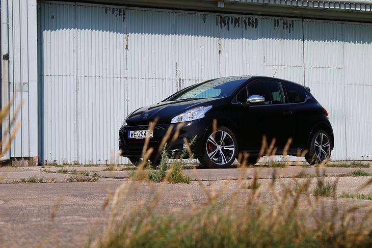 Peugeot 208 GTI wrócił do legendarnego nazewnictwa. Poprzednicy 207 i 206 w najmocniejszych wersjach nazywali się RC