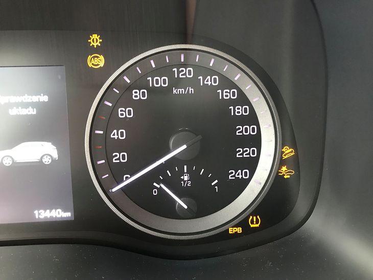 Im nowocześniejsze auto tym więcej żółtych kontrolek. Wszystkie zgasną po uruchomieniu silnika