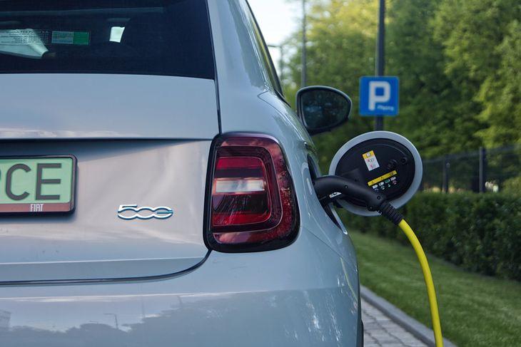 Fiat 500 jest jednym z najtańszych aut elektrycznych w Polsce
