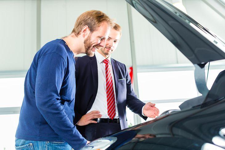W przypadku czterocylindrowego silnika montaż instalacji LPG to koszt około 2,5 tysiąca zł