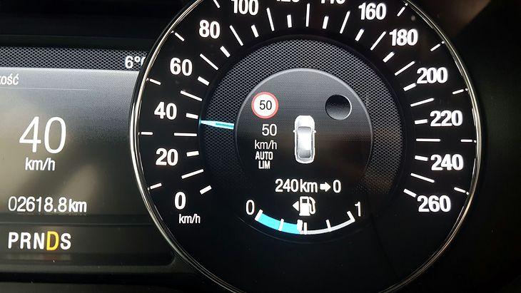 """Inteligentny ogranicznik prędkości wbrew obawom kierowców nie będzie """"policjantem"""" zamontowanym w każdym aucie."""