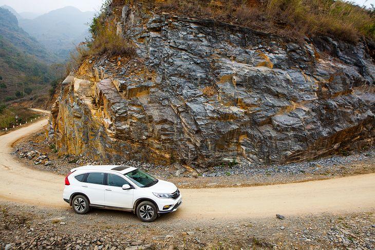 Górskie drogi to najlepsze miejsce do hamowania silnikiem