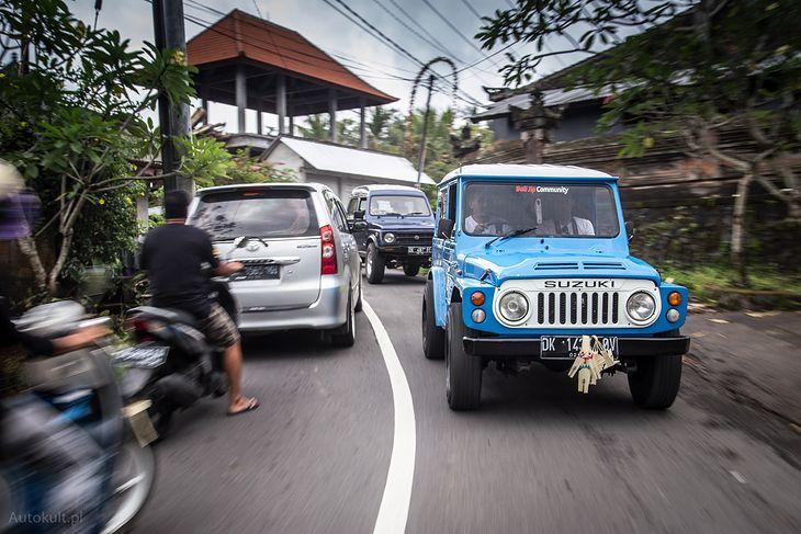 Bardzo dobra Klasykiem do dżungli: pierwsza generacja Suzuki Jimny na drogach QW42