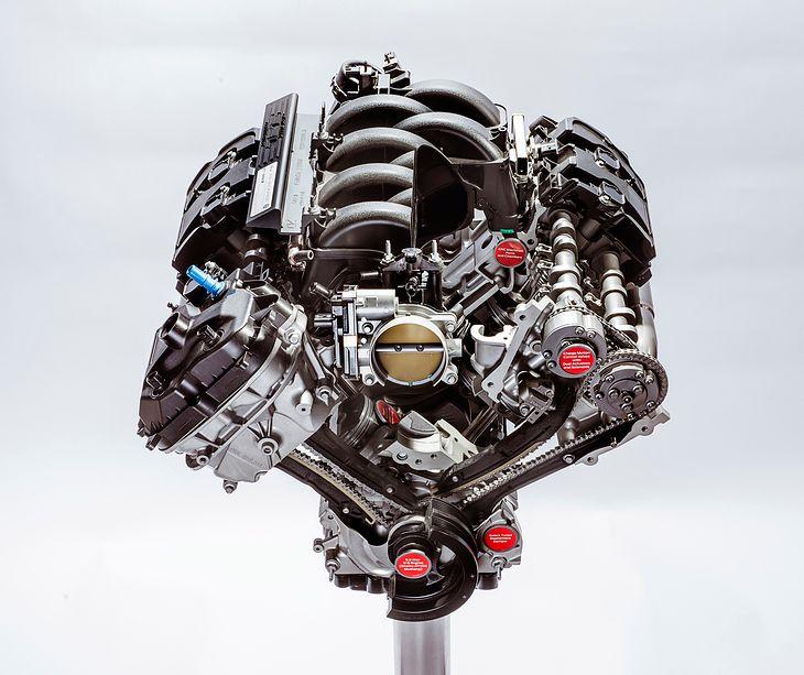 5,2-litrowy wolnossący silnik V8 Forda montowany w Shelby GT350 i GT350R. Jest to najmocniejsza jednostka wolnossąca w historii tego producenta - rozwija 533 KM bez doładowania.