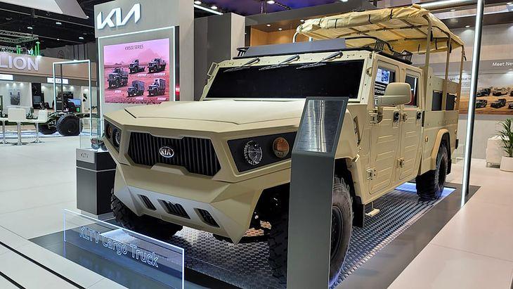 Kia KLTV wyglądem mocno przypomina amerykańskie Humvee.