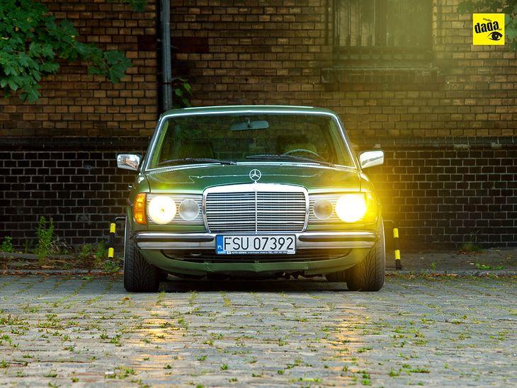 MERCEDES W123 240D