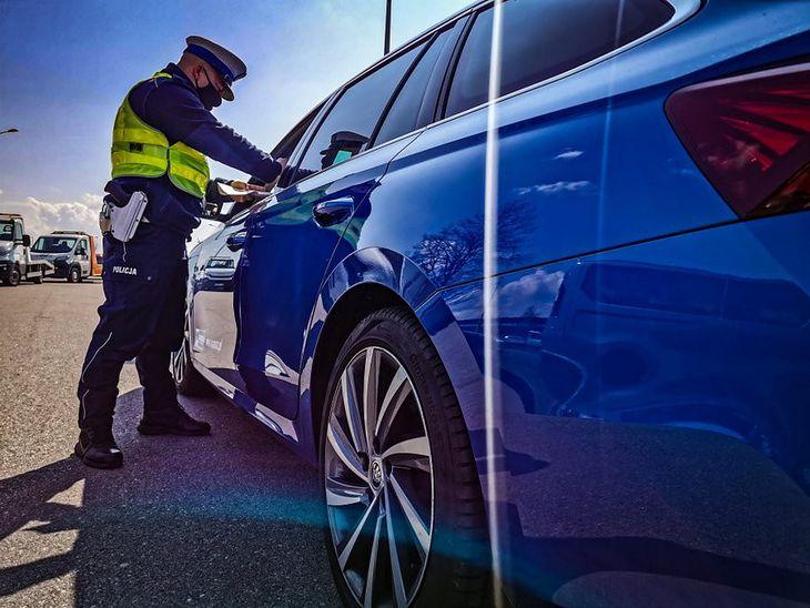Politycy od lat nie mogą zdecydować się na podniesienie stawek mandatów. Nowy system zaostrzy sankcje, a politycy nie będą kojarzeni z większymi wydatkami kierowców.