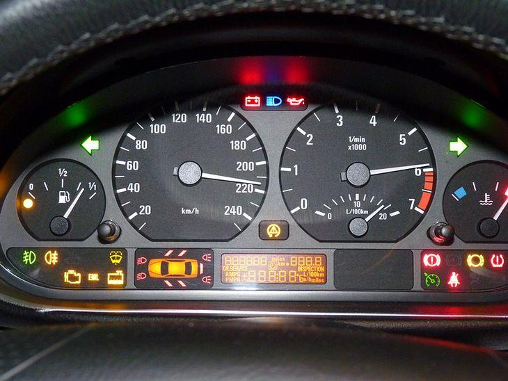 Podstawowe Kontrolki W Samochodzie Jak Je Rozszyfrować