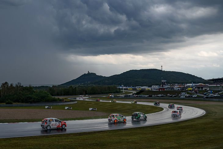 Kia Platinum Cup na Autodromie Most (2019) (fot. Dominik Kalamus)