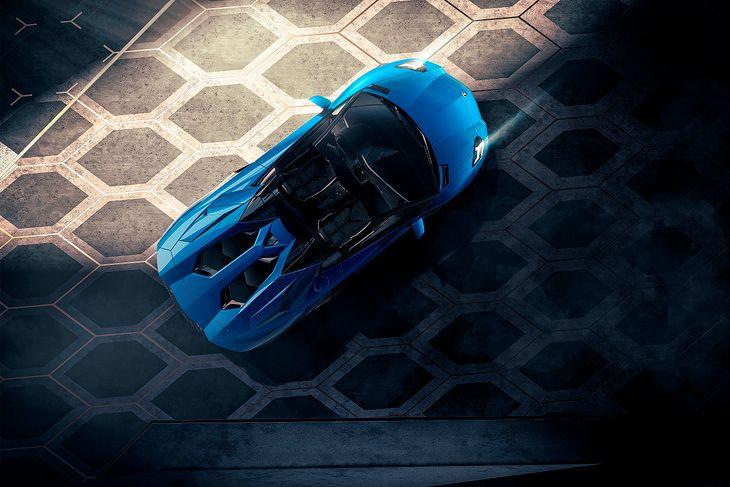 Lamborghini Aventador to topowy model, oferowany od początku z silnikiem V12. Następca też taki dostanie.