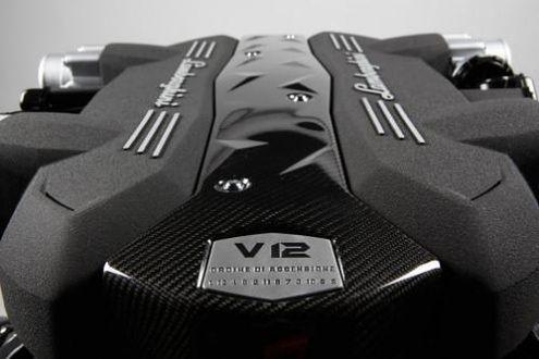 V12 od Lamborghini