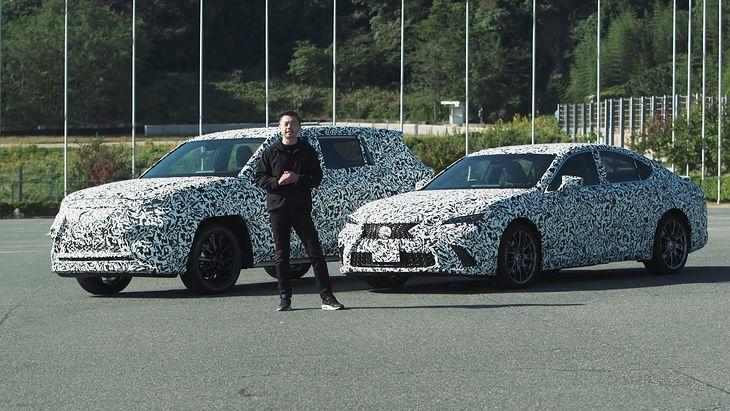 Prototypy Lexusa z napędem Direct4 wraz z głównym inżynierem Takashi Watanabe (fot. Lexus)