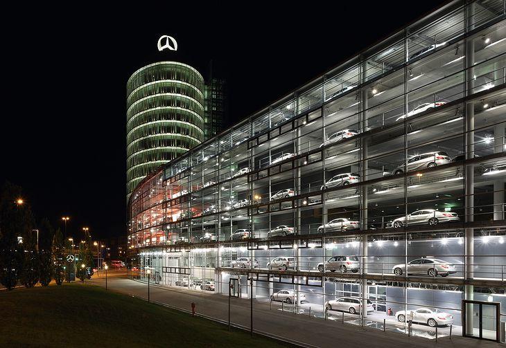 Mercedes zamierza oszczędzić spore sumy.