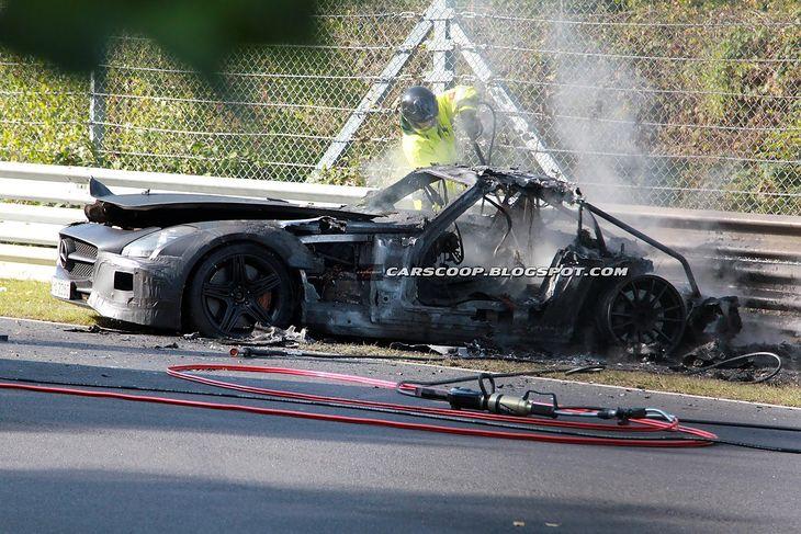 Mercedes-Benz SLS AMG Black Series po pożarze
